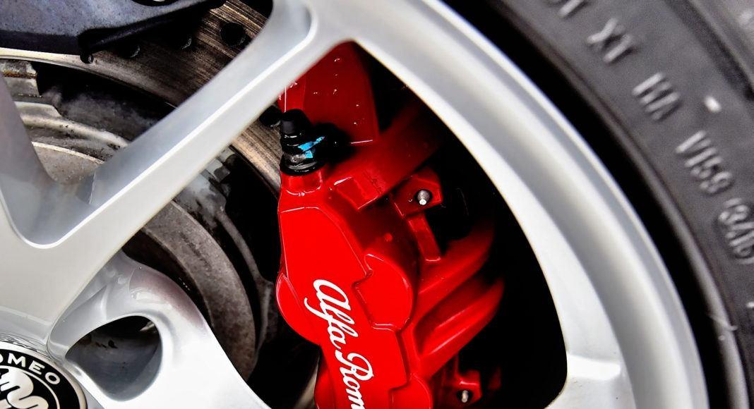 Alfa Romeo Giulia Quadrifoglio - zacisk hamulcowy