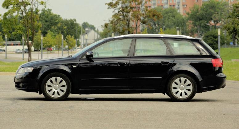 Audi A4 B7 - bok