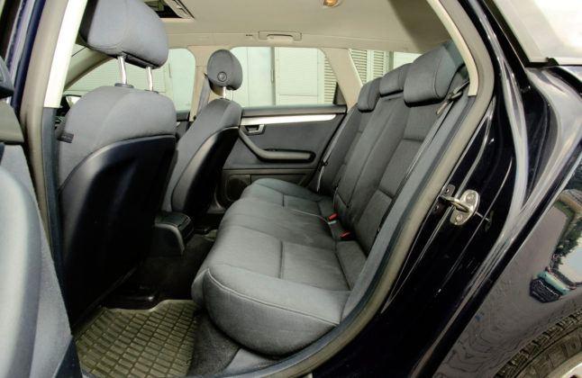 Audi A4 B7 - tylna kanapa