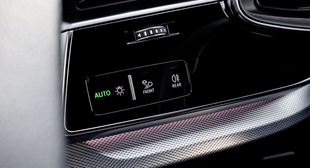 Audi Q8 - włącznik świateł