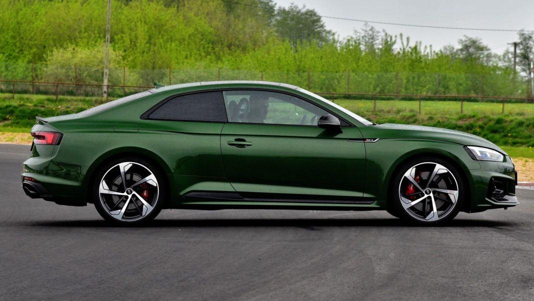 Audi RS 5 - bok