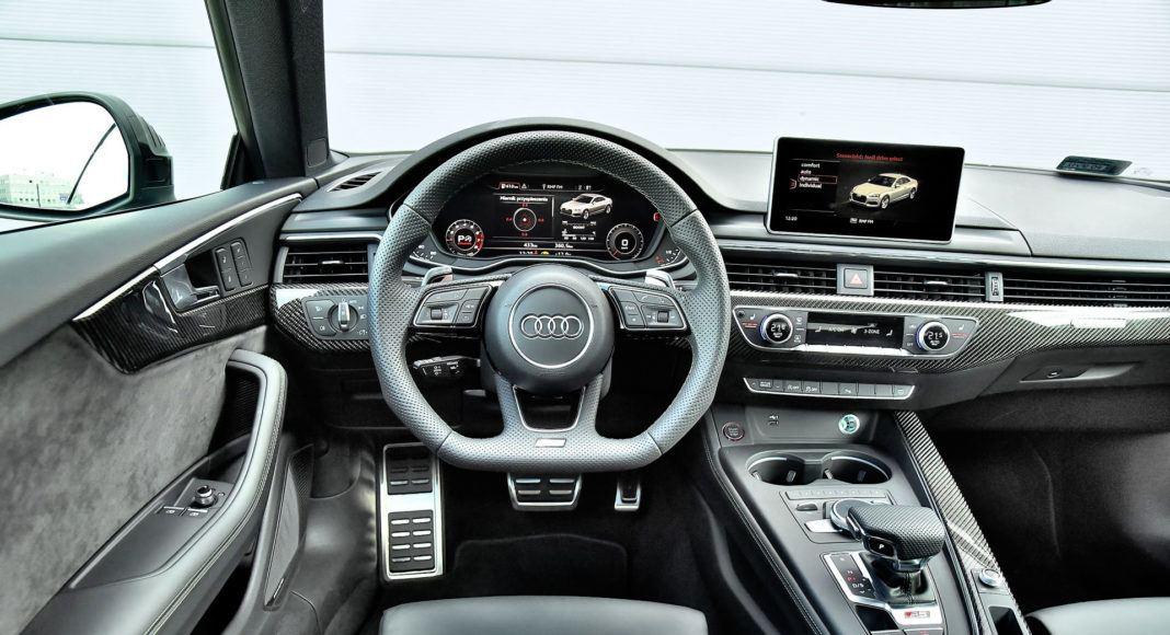 Audi RS 5 - deska rozdzielcza