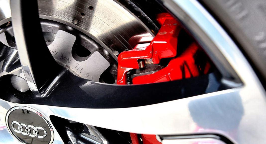 Audi RS 5 - zacisk hamulcowy