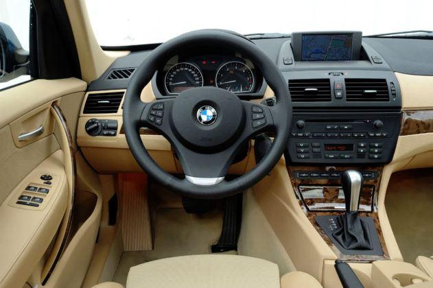 BMW X3 E83 - deska rozdzielcza
