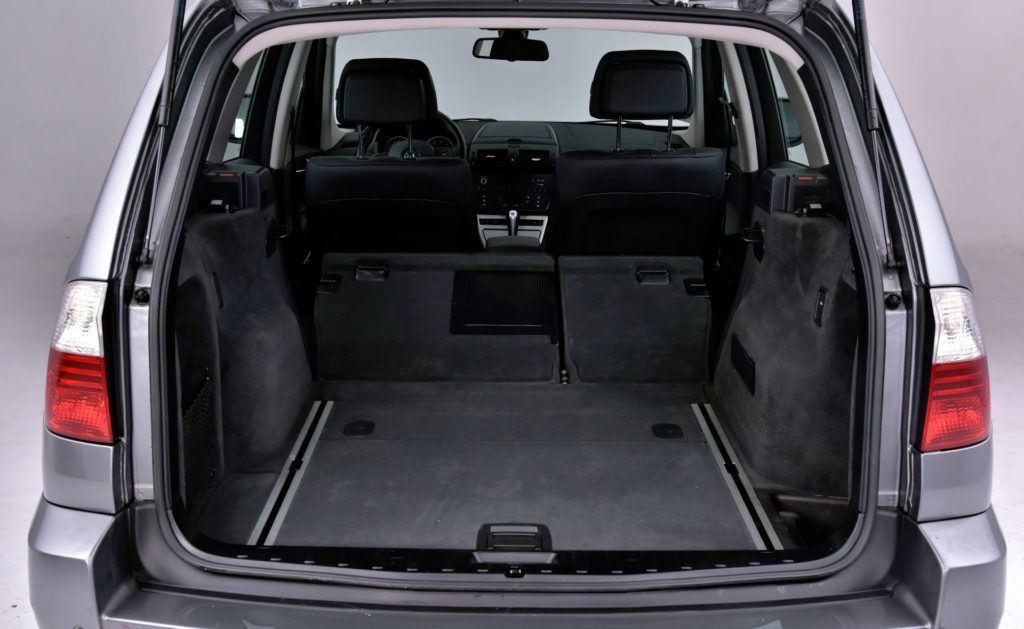 BMW X3 E83 - powiększony bagażnik
