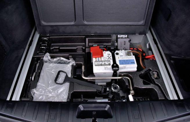 BMW X3 E83 - schowek
