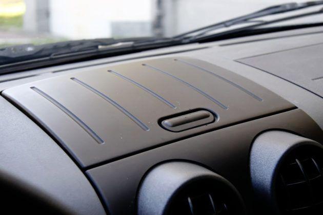 Używany Ford Fusion - schowek w desce rozdzielczej