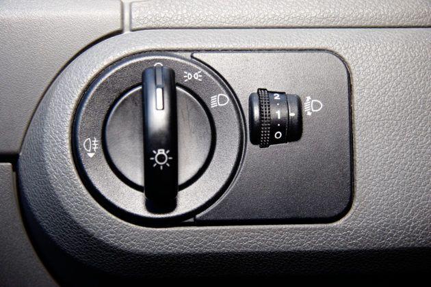 Używany Ford Fusion - włącznik świateł
