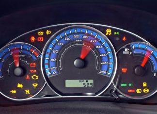 Kontrolki w samochodzie: co oznaczają? Spis kontrolek w aucie
