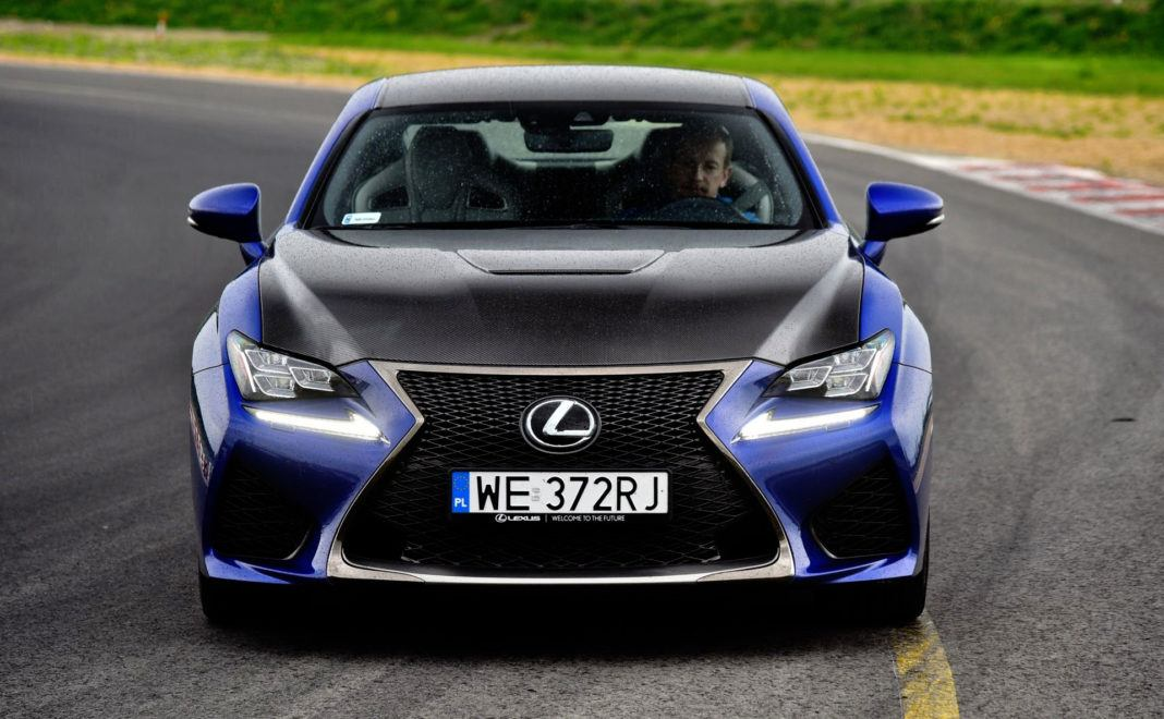 Lexus RC F - przód