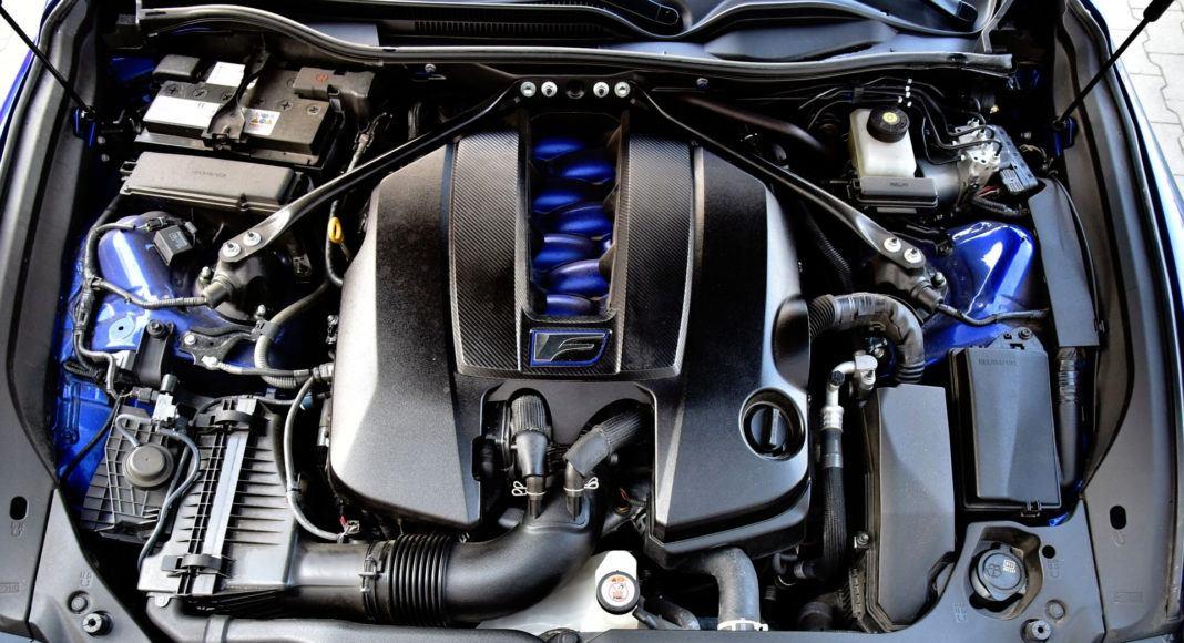 Lexus RC F - silnik