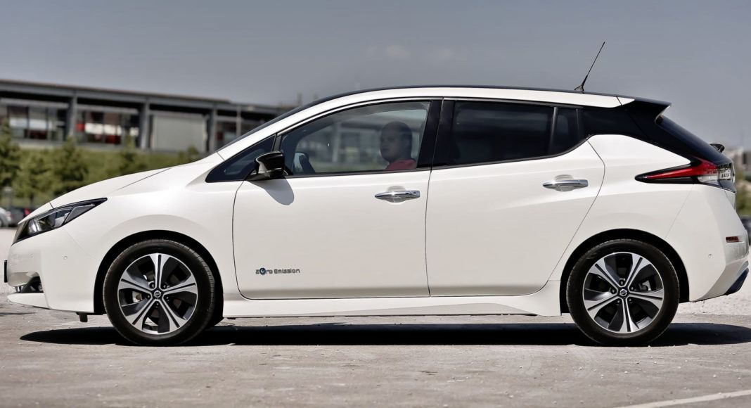 Nissan Leaf - bok