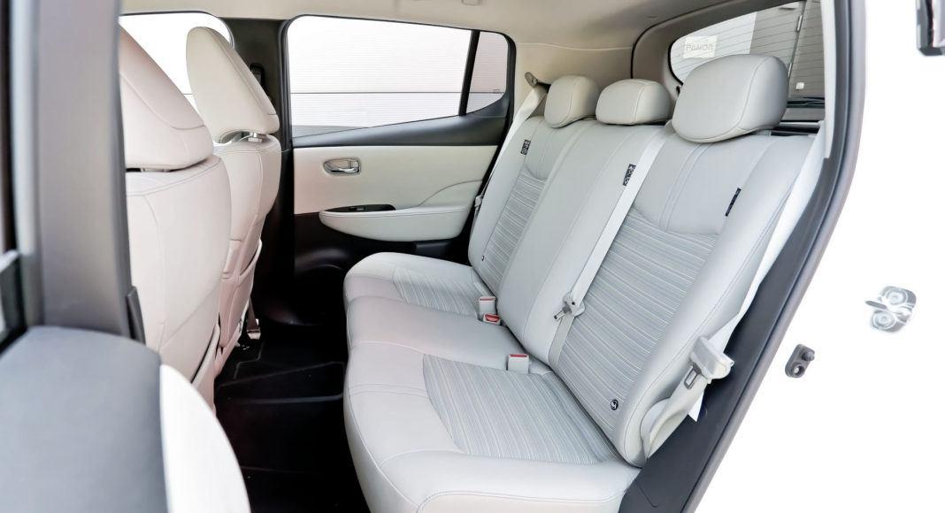 Nissan Leaf - tylna kanapa