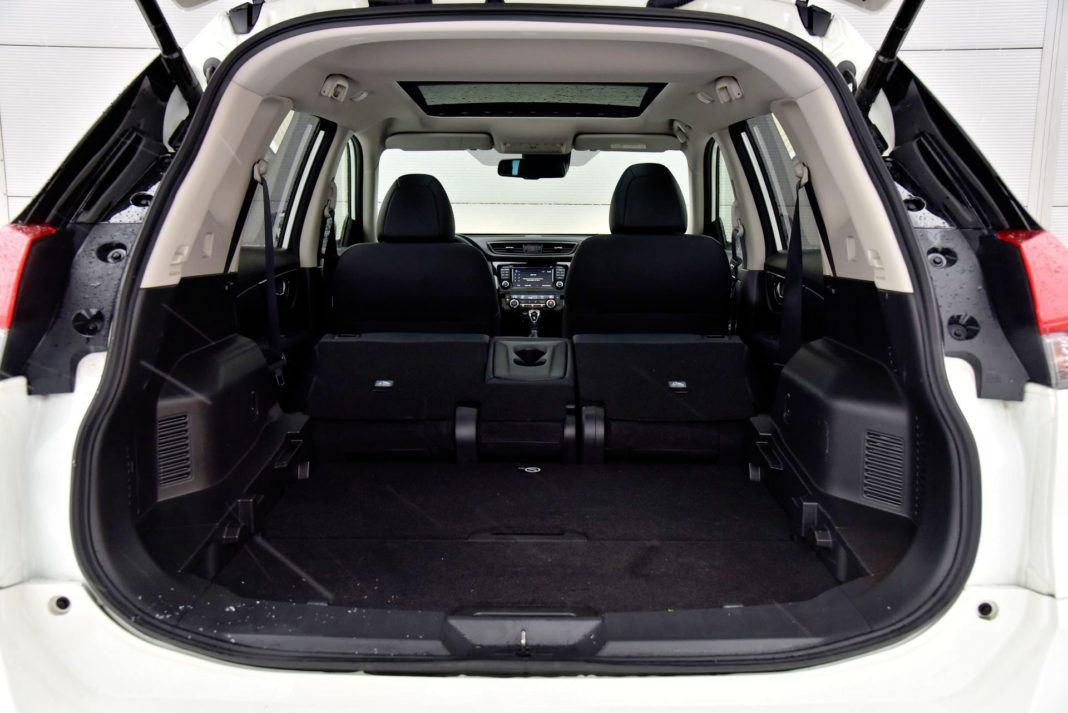 Nissan X-Trail - powiększony bagażnik