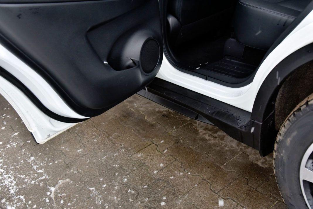 Nissan X-Trail - próg