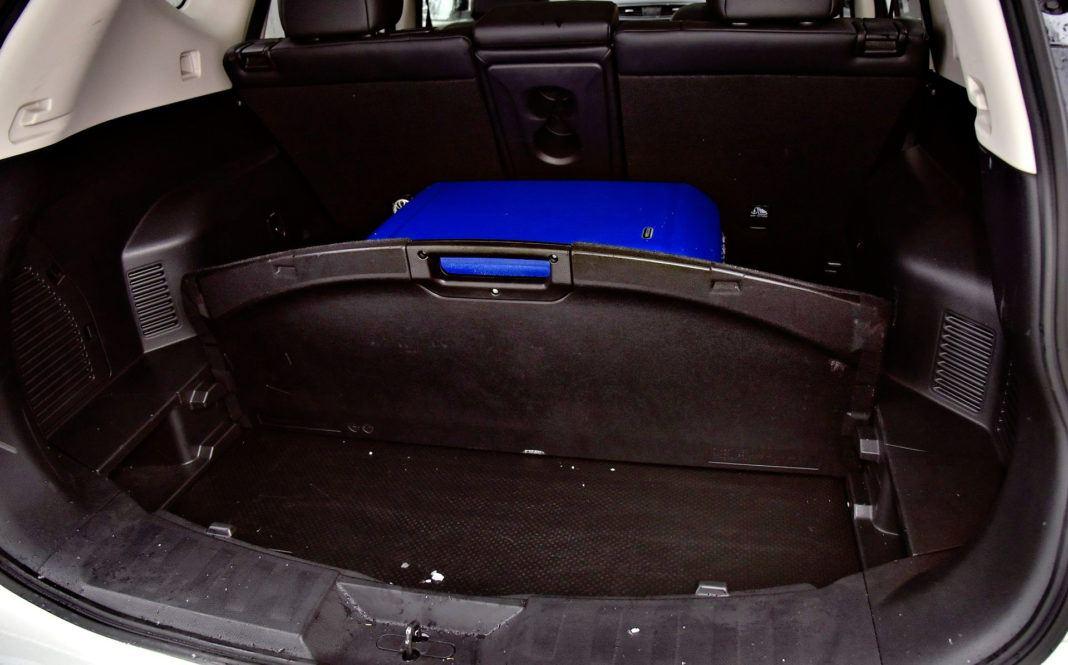 Nissan X-Trail - schowek