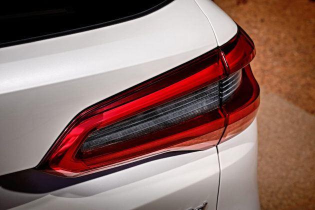 Nowe BMW X5 - światło tylne