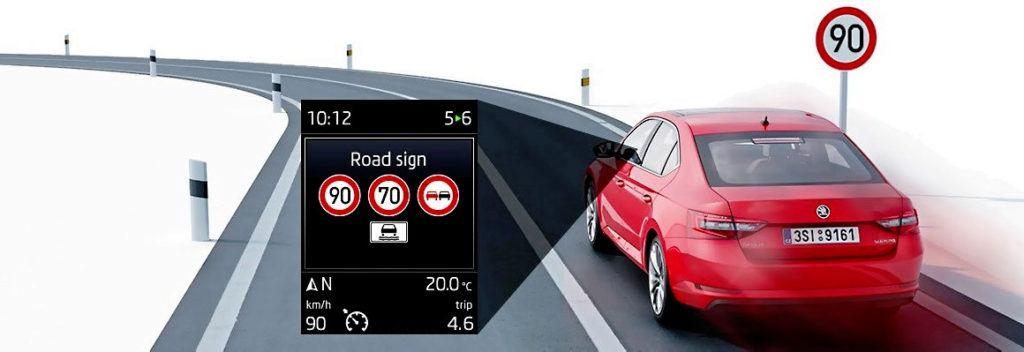 Skoda - odczytywanie znaków drogowych