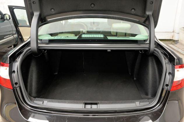 Renault Fluence - bagażnik