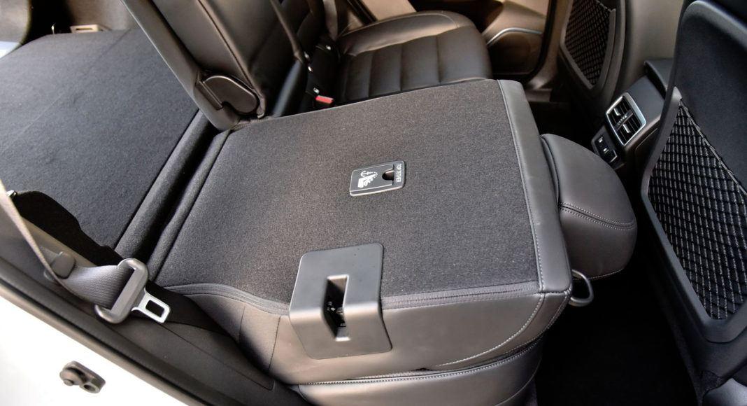 Renault Koleos - złożona kanapa