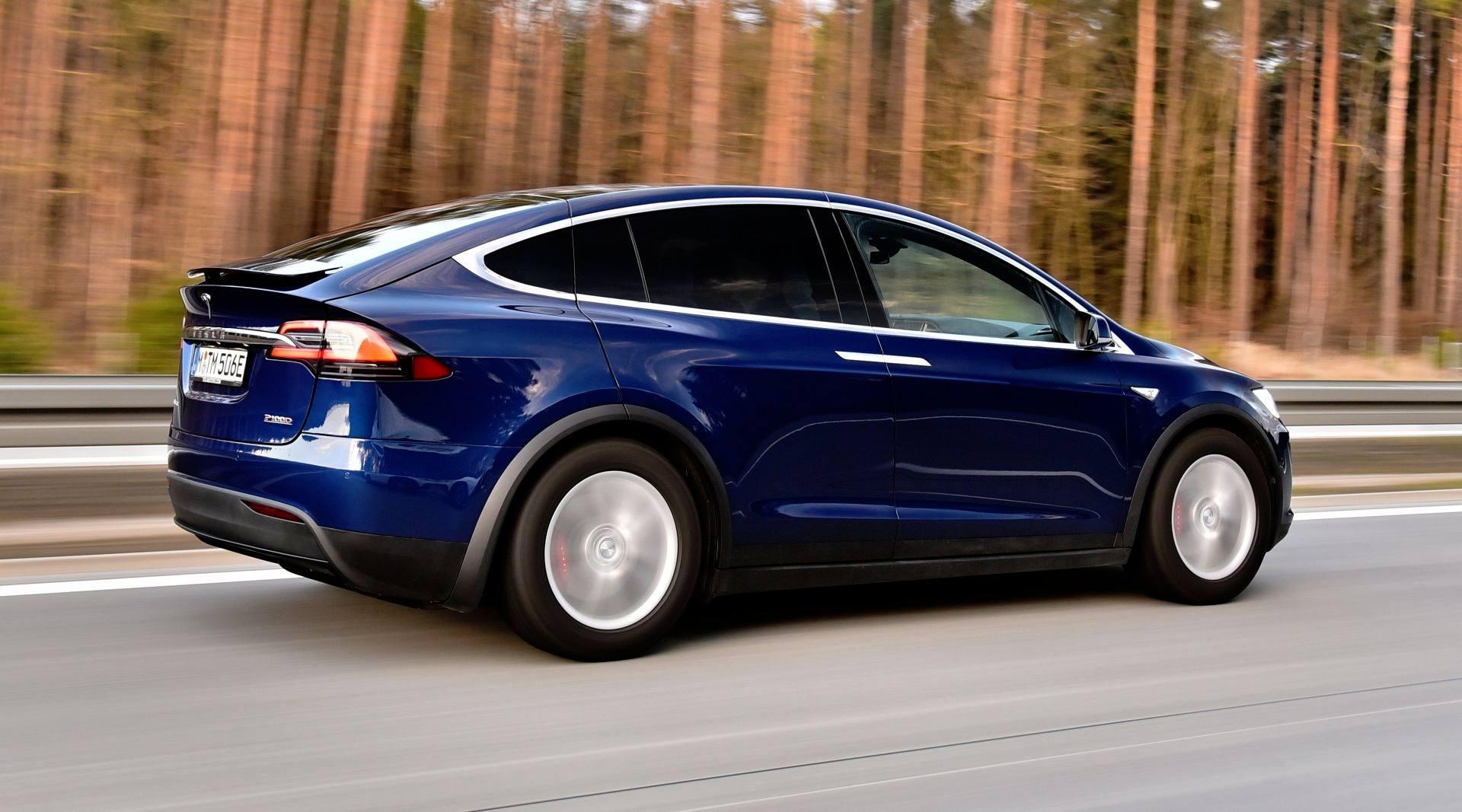 Tesla Model X - dynamiczne