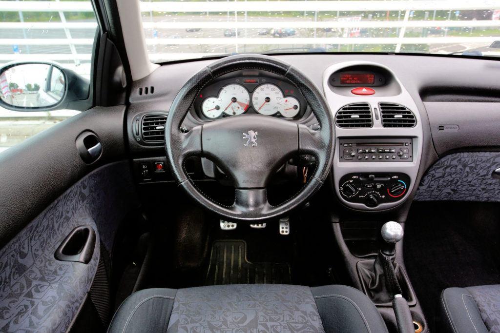 Peugeot 206 - wnętrze, opinie