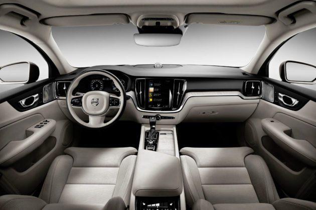 Nowe Volvo S60 - deska rozdzielcza
