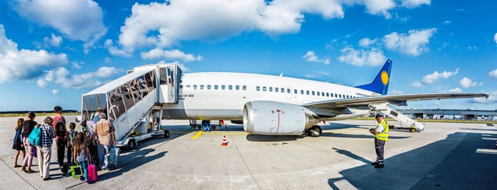 Wynajem auta za granicą - samolot