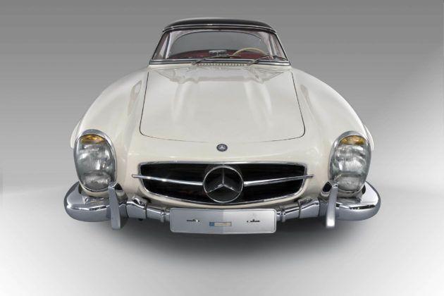 Mercedes 300 SL Roadster (1963); źródło: Artcurial