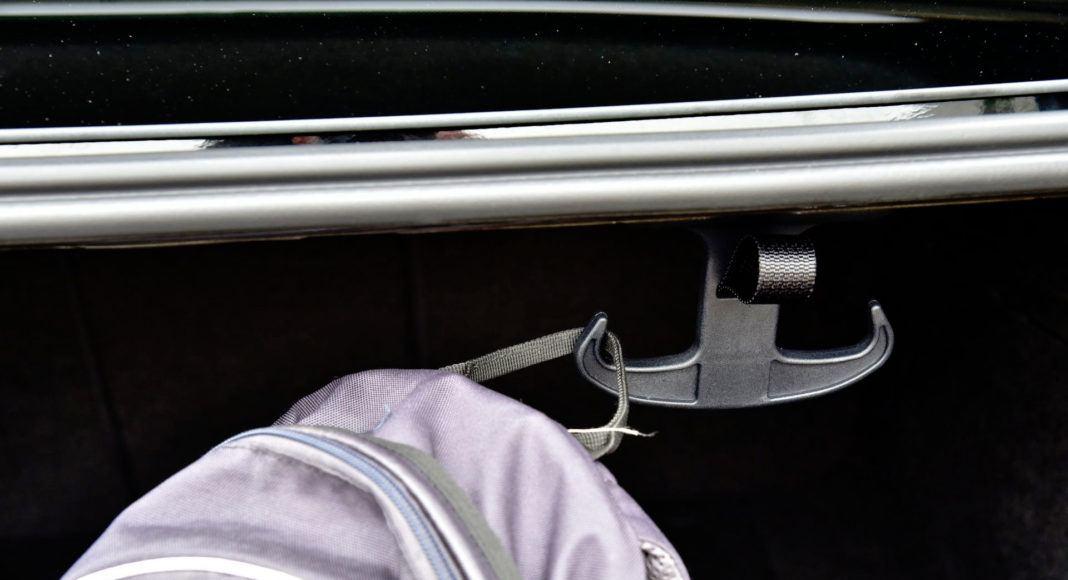 Audi A6 - haczyk
