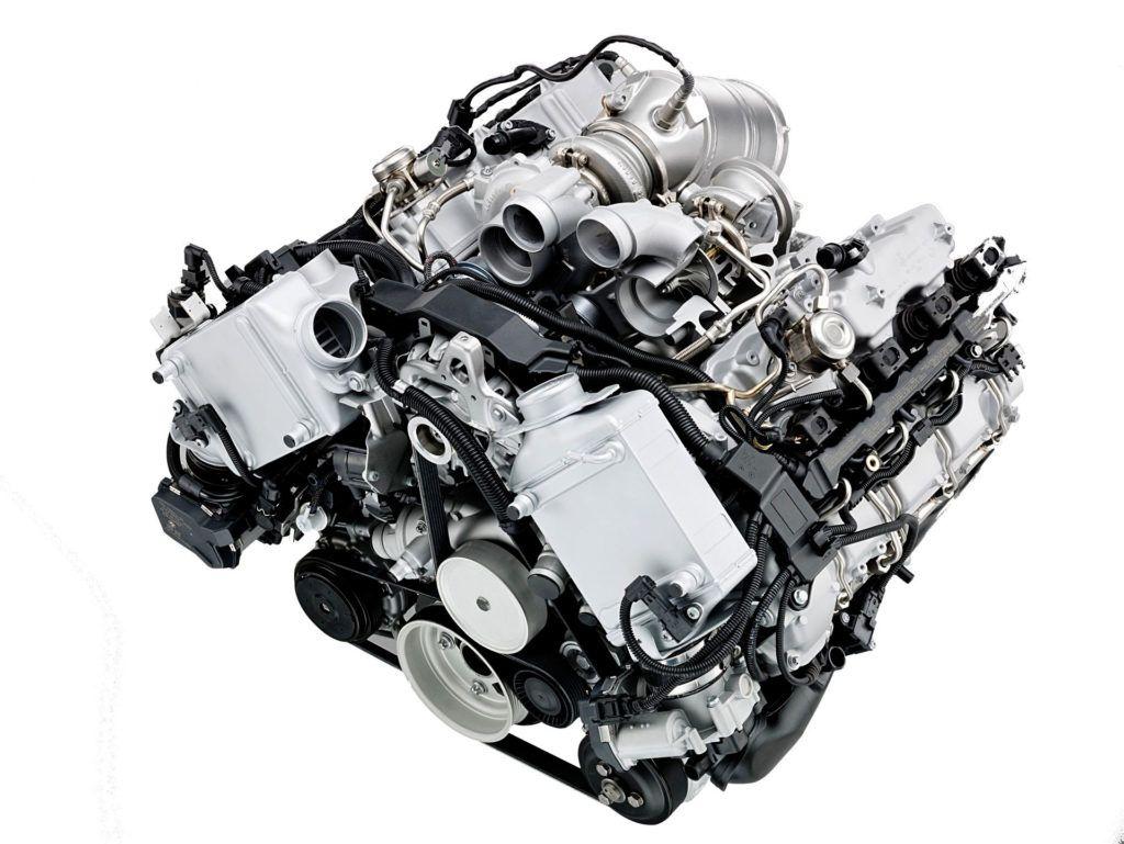 BMW 4.4 V8