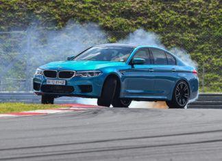 YouTube: Nowe BMW M5. 0-100, 0-300, prędkość maksymalna, drifting