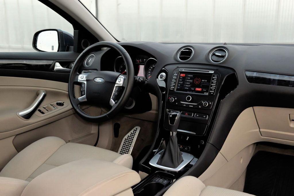 Ford Mondeo IV - deska rozdzielcza Ghia