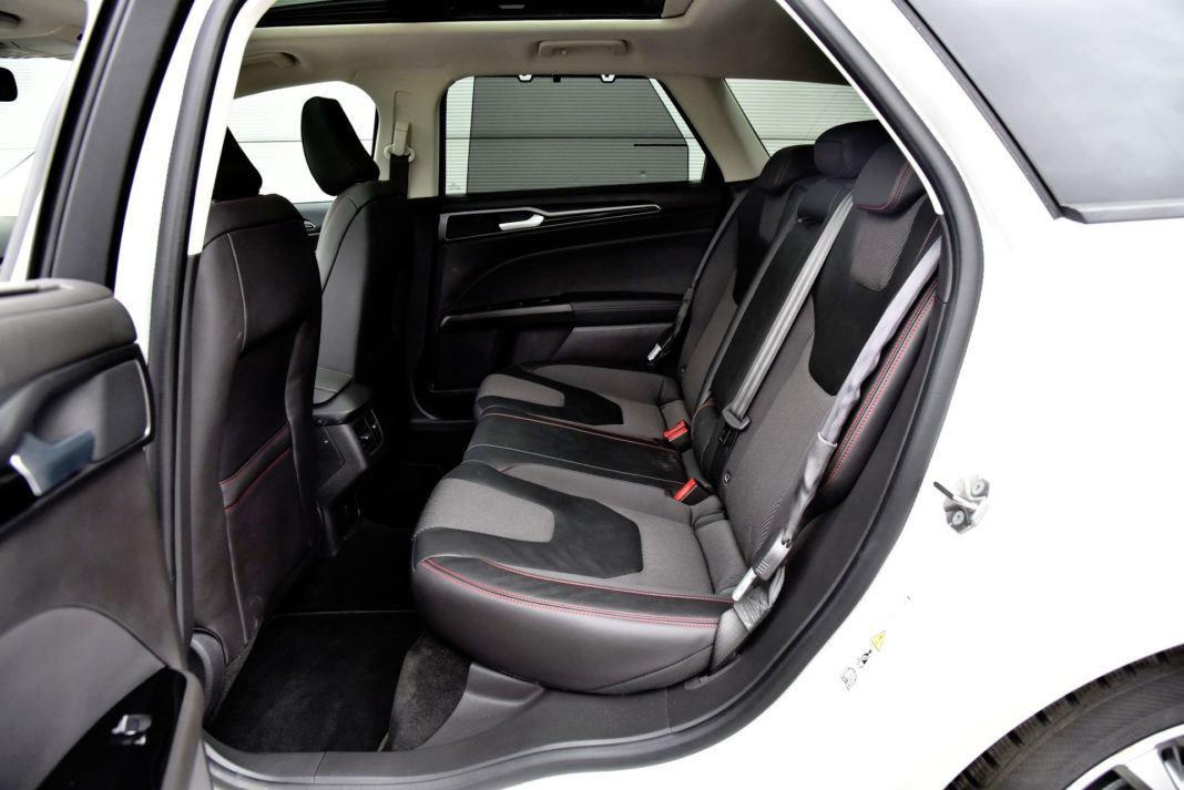 Ford Mondeo - tylna kanapa