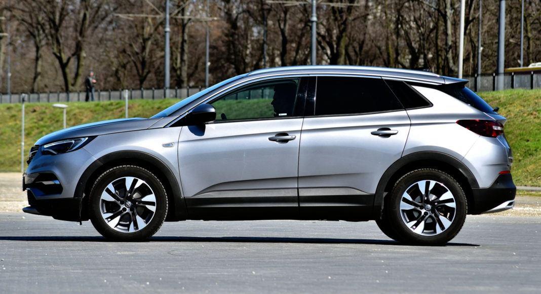 Opel Grandland X - bok