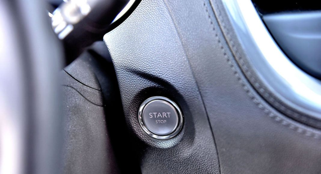 Opel Grandland X - przycisk