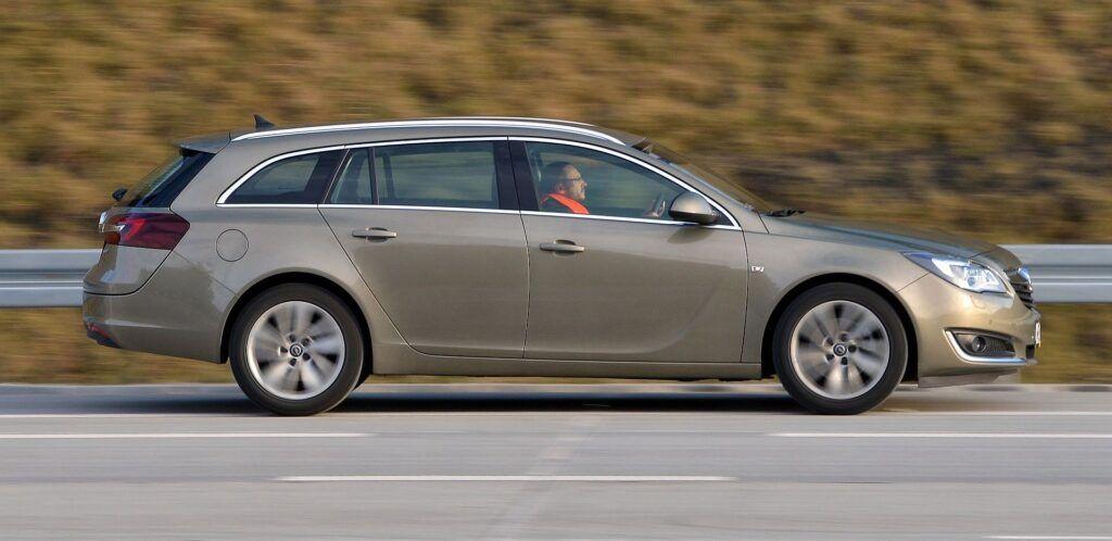 Opel Insignia A 11