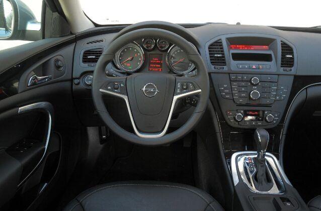 Opel Insignia A deska rozdzielcza