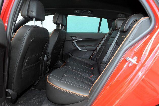 Opel Insignia A kanapa (2)
