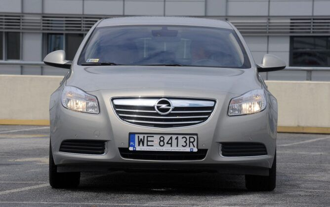 Opel Insignia A przed liftingiem
