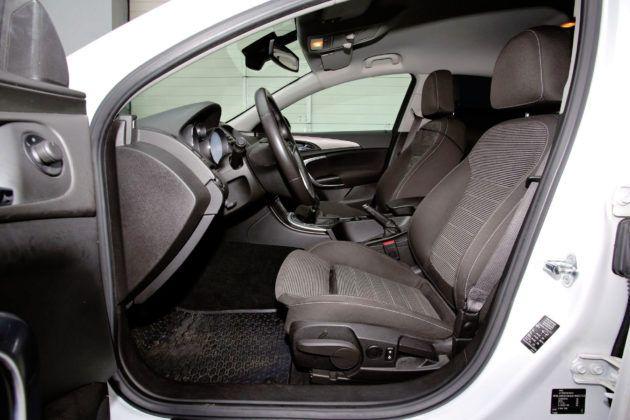 Opel Insignia - fotel kierowcy