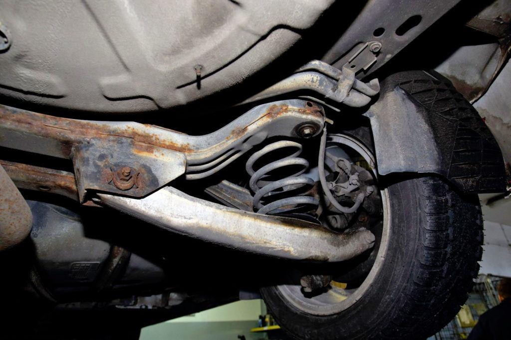 Opel Insignia - korozja wahaczy