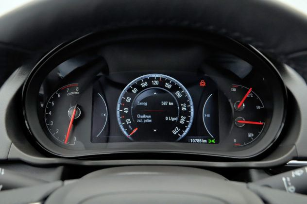 Opel Insignia - zegary po lifitngu
