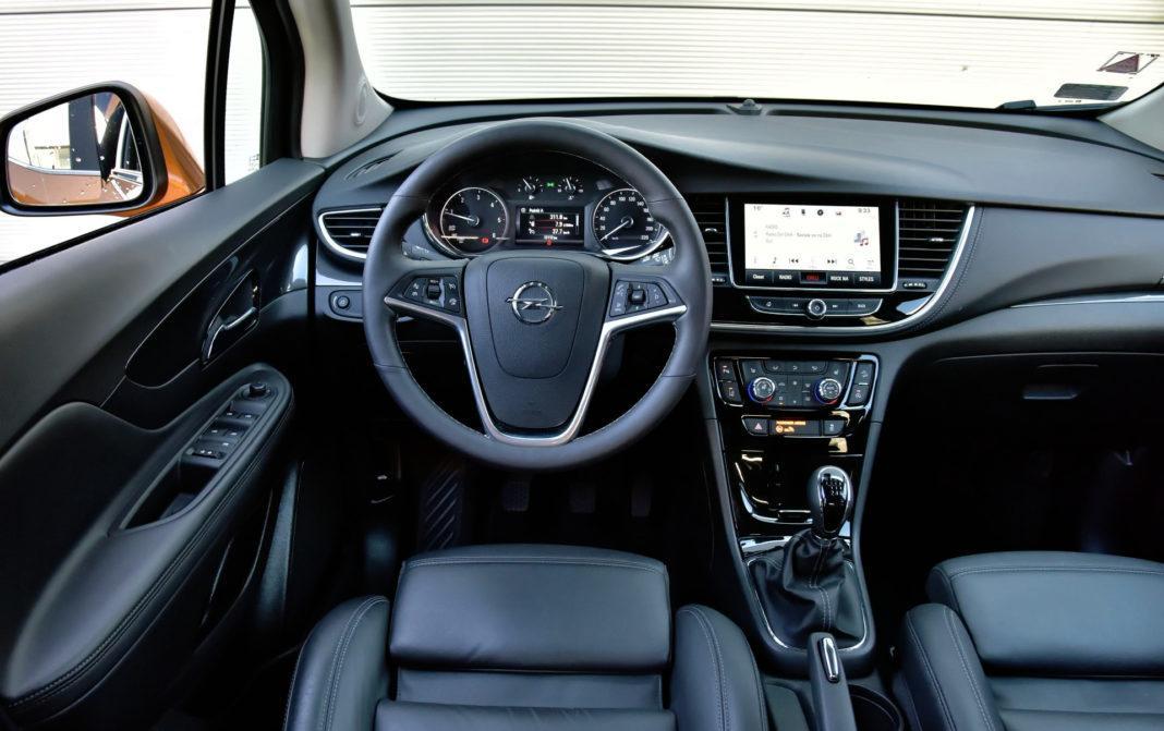 Opel Mokka X - deska rozdzielcza