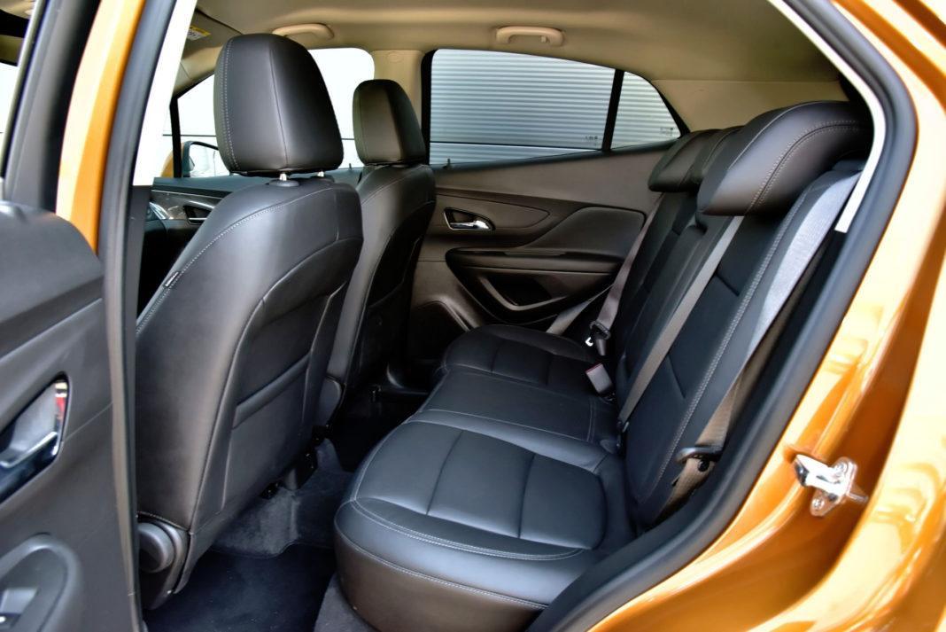 Opel Mokka X - tylna kanapa