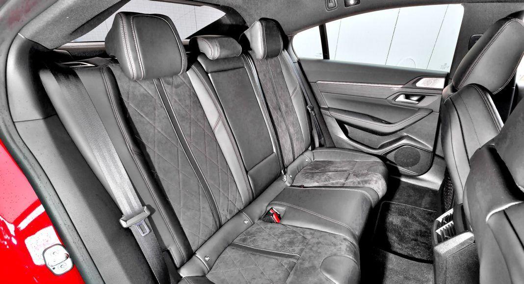 Peugeot 508 - tylna kanapa