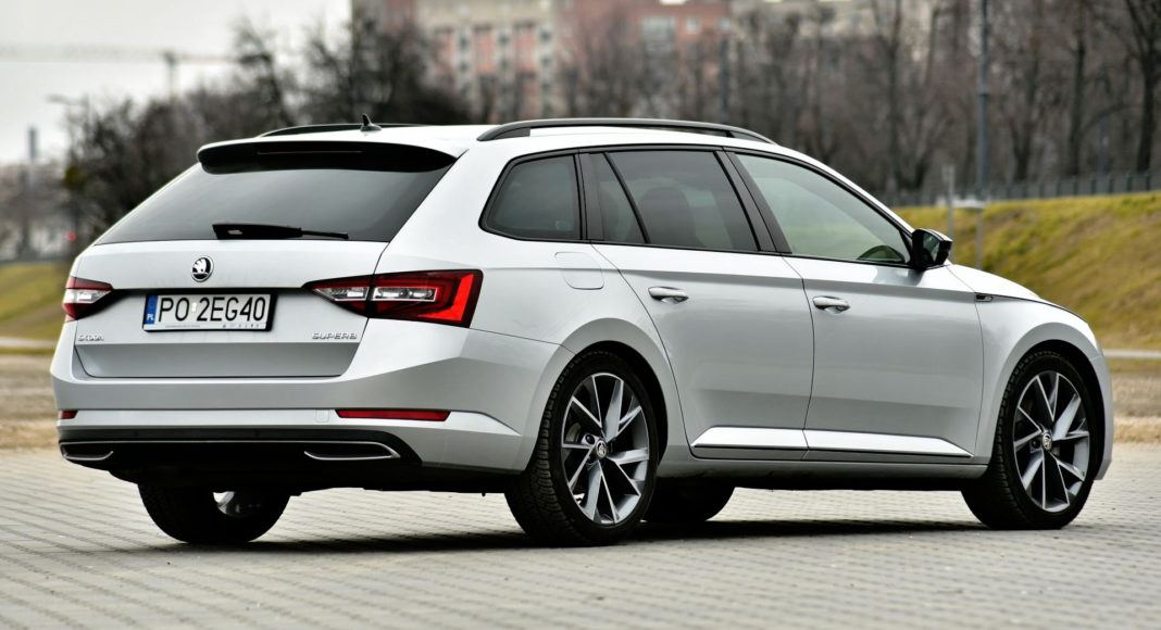 Skoda Superb - tył
