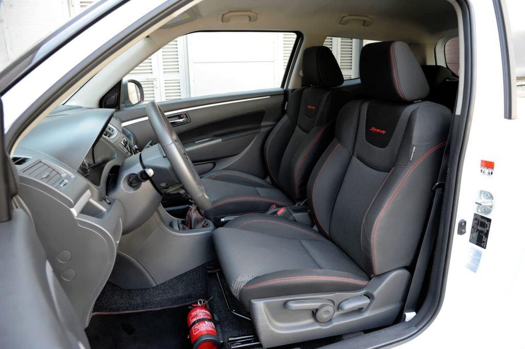 Suzuki Swift V Sport - fotel kierowcy