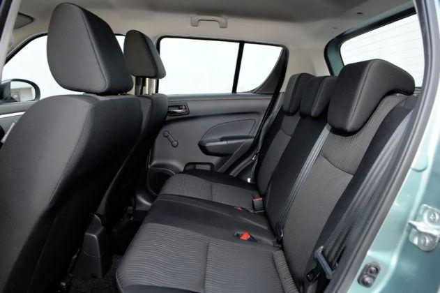 Suzuki Swift V - tylna kanapa