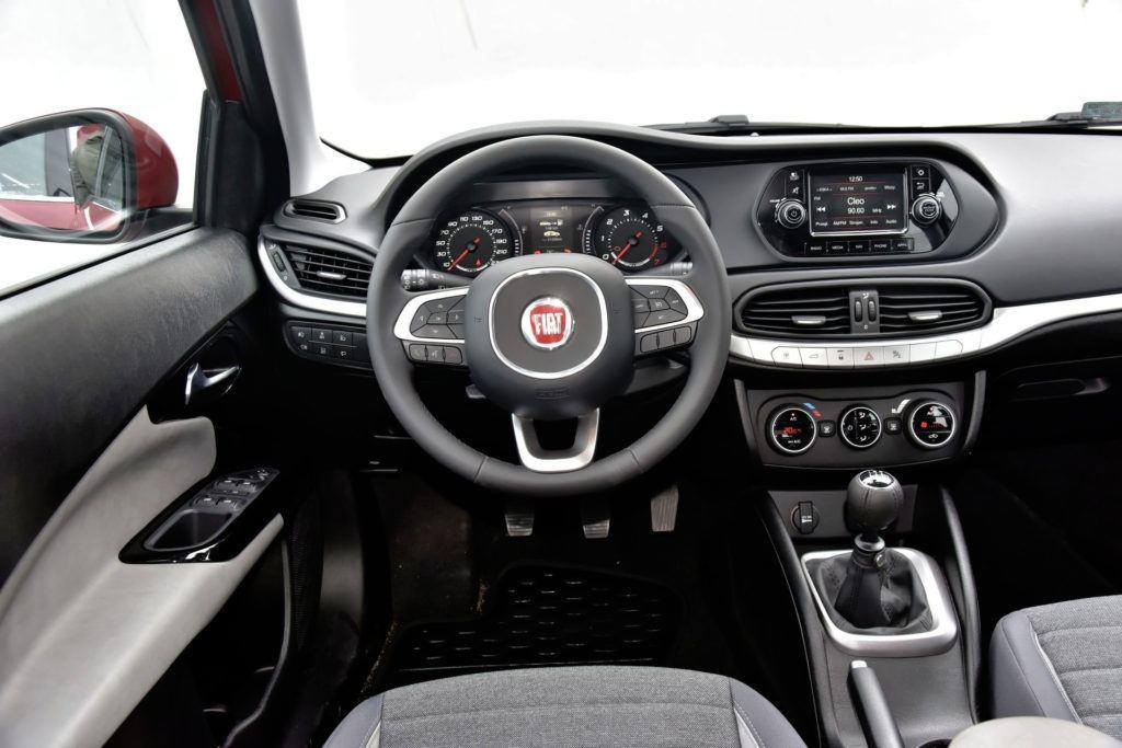 Używany Fiat Tipo - wnętrze